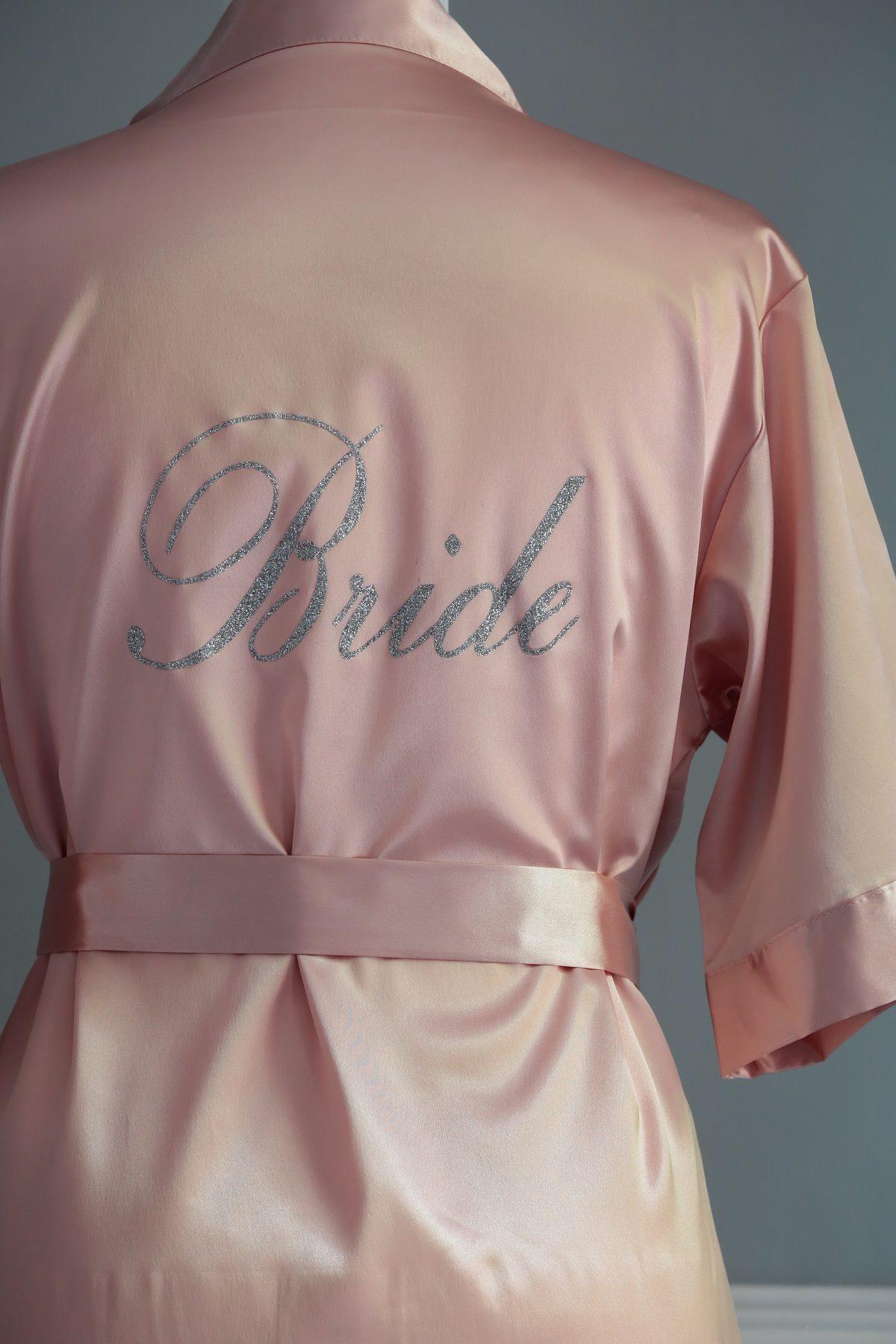 Peignoir en satin mariage Bride couleur rose poudré