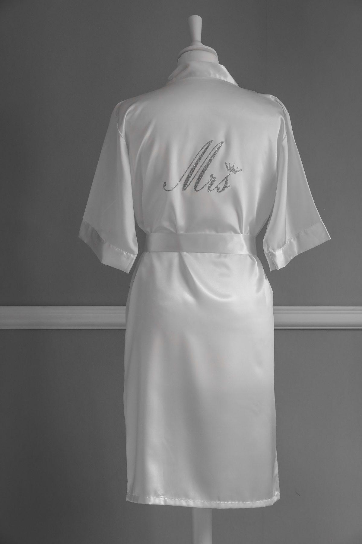 Peignoir mariée blanc avec couronne